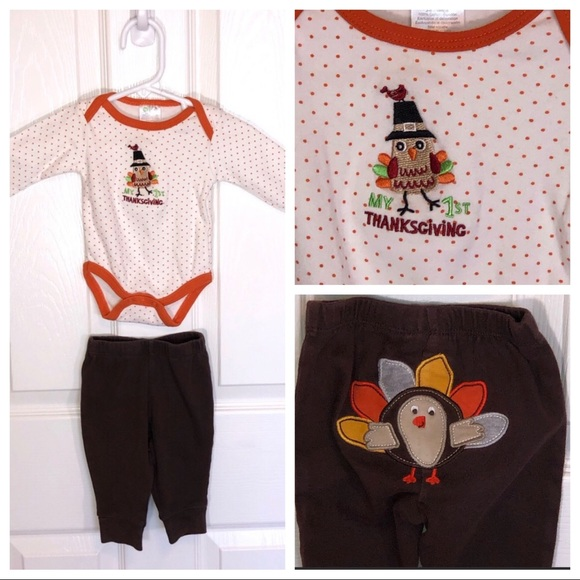 BOYS 2 PIECE VELOUR OUTFIT OR PAJAMA WITH FOOTBALL MOTIF